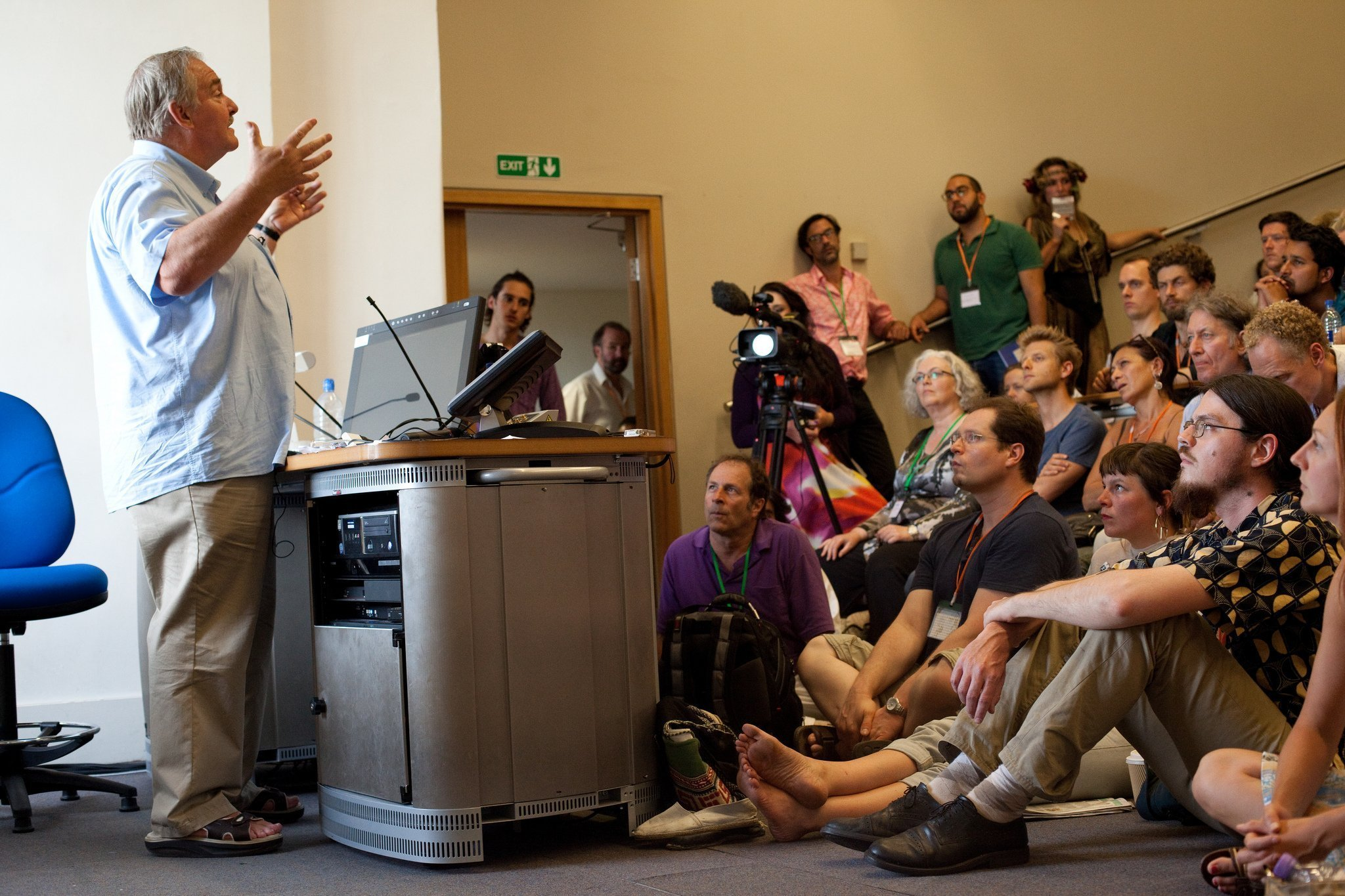 Professor David Nutt addresses delegates at Breaking Convention: a multidisciplinary conference on psychedelic consciousness, featuring more than 130 presenters from around the world. Photo Credit: Jonathan Greet 2015